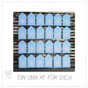 Versandfertig – hellblauer Adventskalender aus Wollfilz