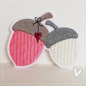 BügelbildHerbstliche Eicheln – rosa/beige 8cm