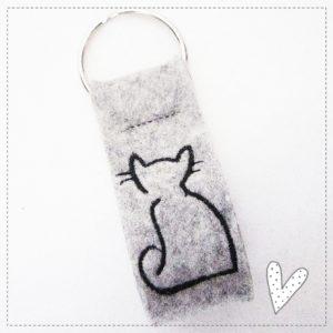 Schlüsselanhänger grau meliert – Katze