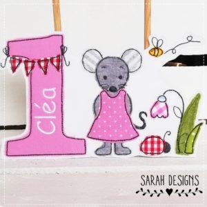 Aufnäher Bügelbild Appliaktion Maus mit Geburtstagszahl und Wunschnamen in rosa mit grau 18x13cm und zum Aufbügeln