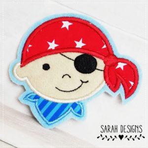 Bügelbild  Piratenjunge – blau/rot –