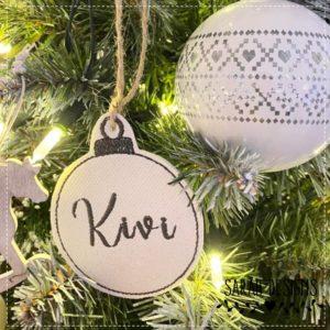 Stickdatei ITH Weihnachtskugel mit Wunschname 10×10